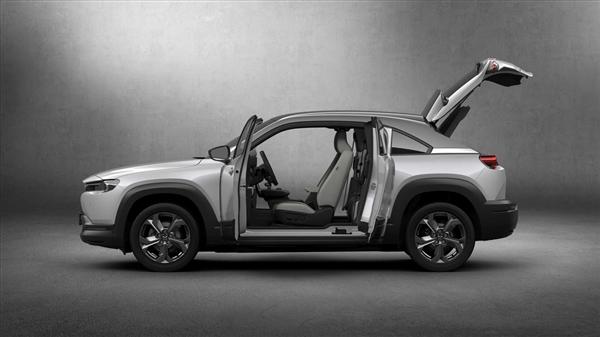 劳斯莱斯同款对开门!马自达全新SUV曝光:坐等国产